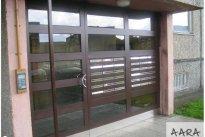 Aara Metall OÜ Uksed uksetarvikud, Metallist trepikoja uks, metallitööd.